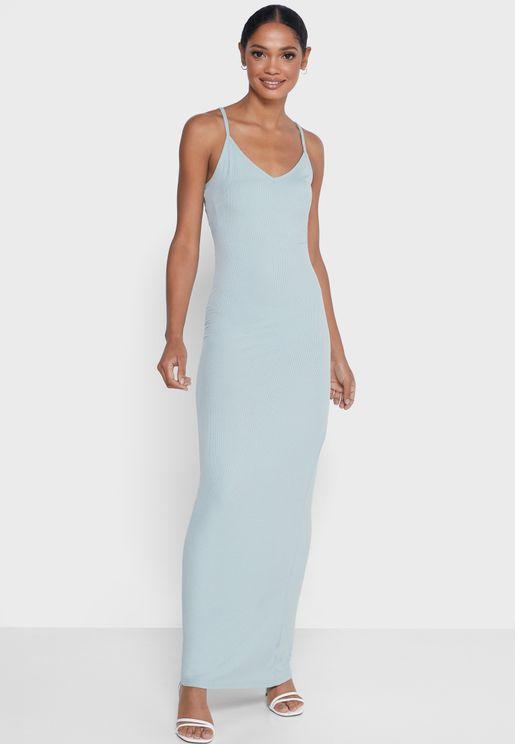 فستان ماكسي ومدروز