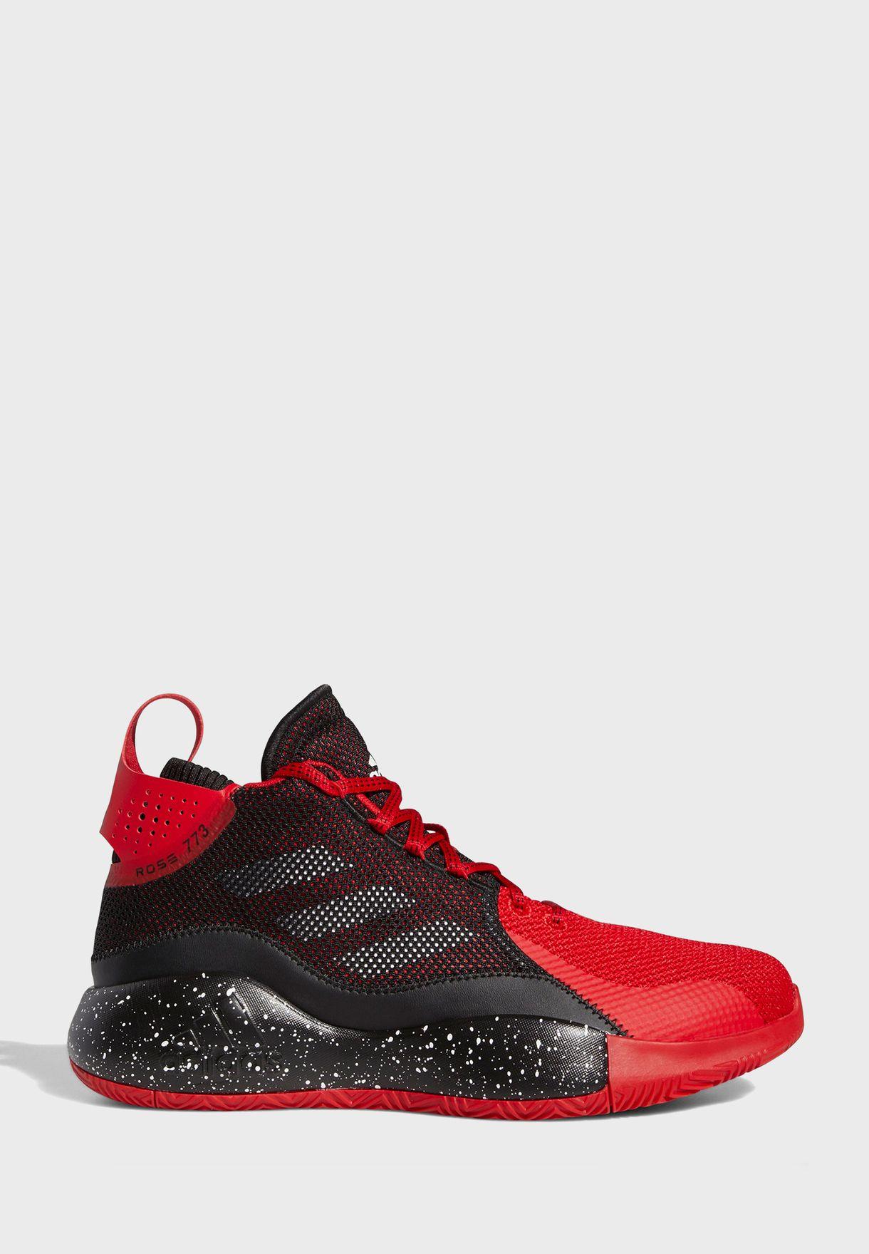 حذاء من مجموعة ديرك روز