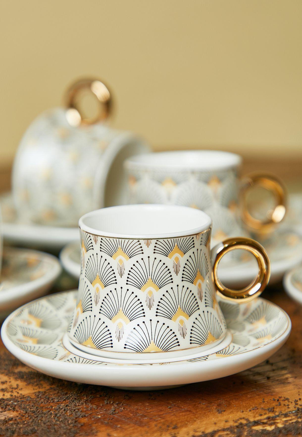 طقم من 6 فناجين وصحون للشاي