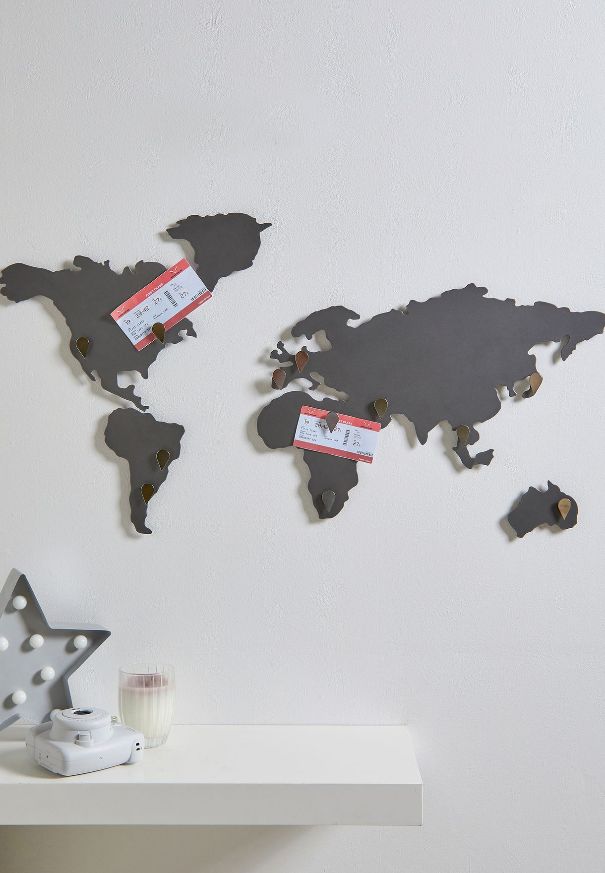 ديكور حائطي بشكل خارطة العالم