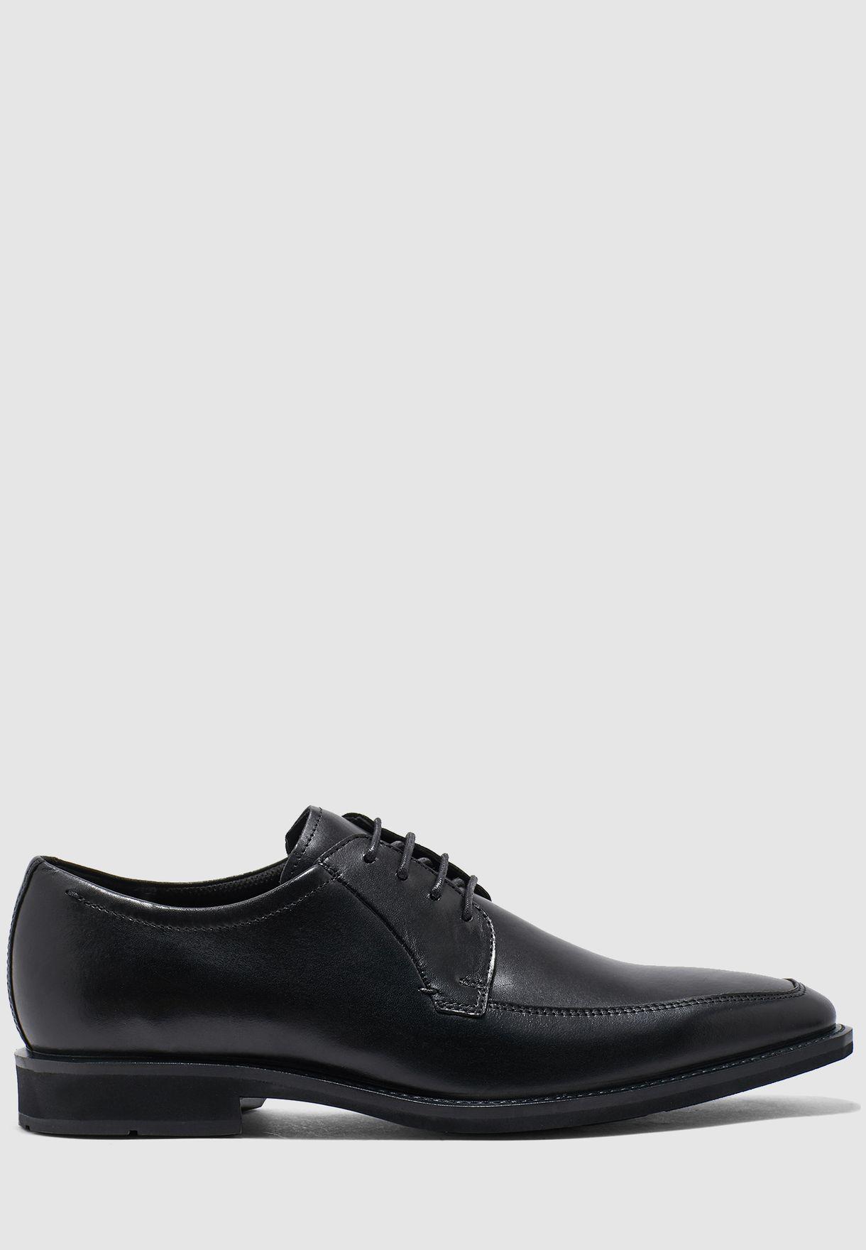 حذاء من الجلد الاصلي