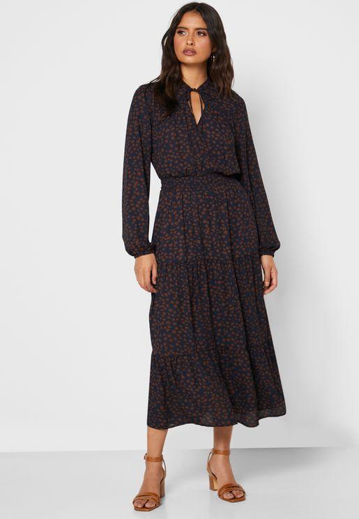 فستان مرقط مع اربطة عنق