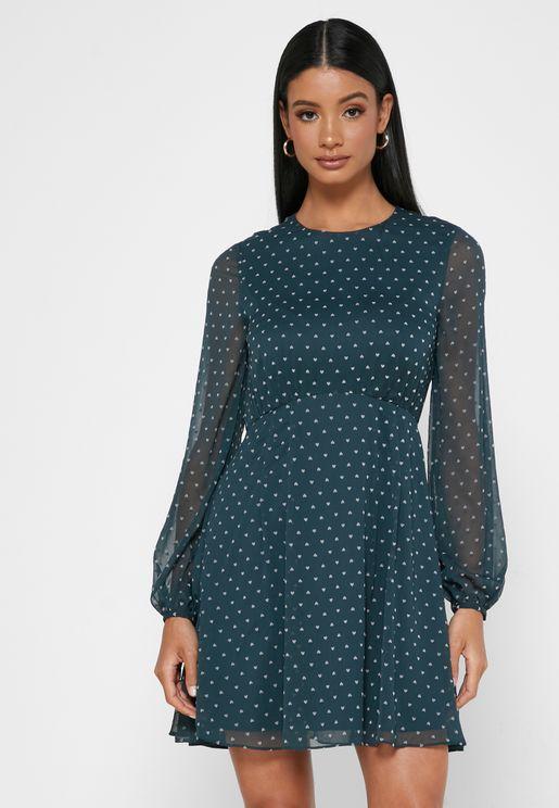 فستان بطبعات قلوب
