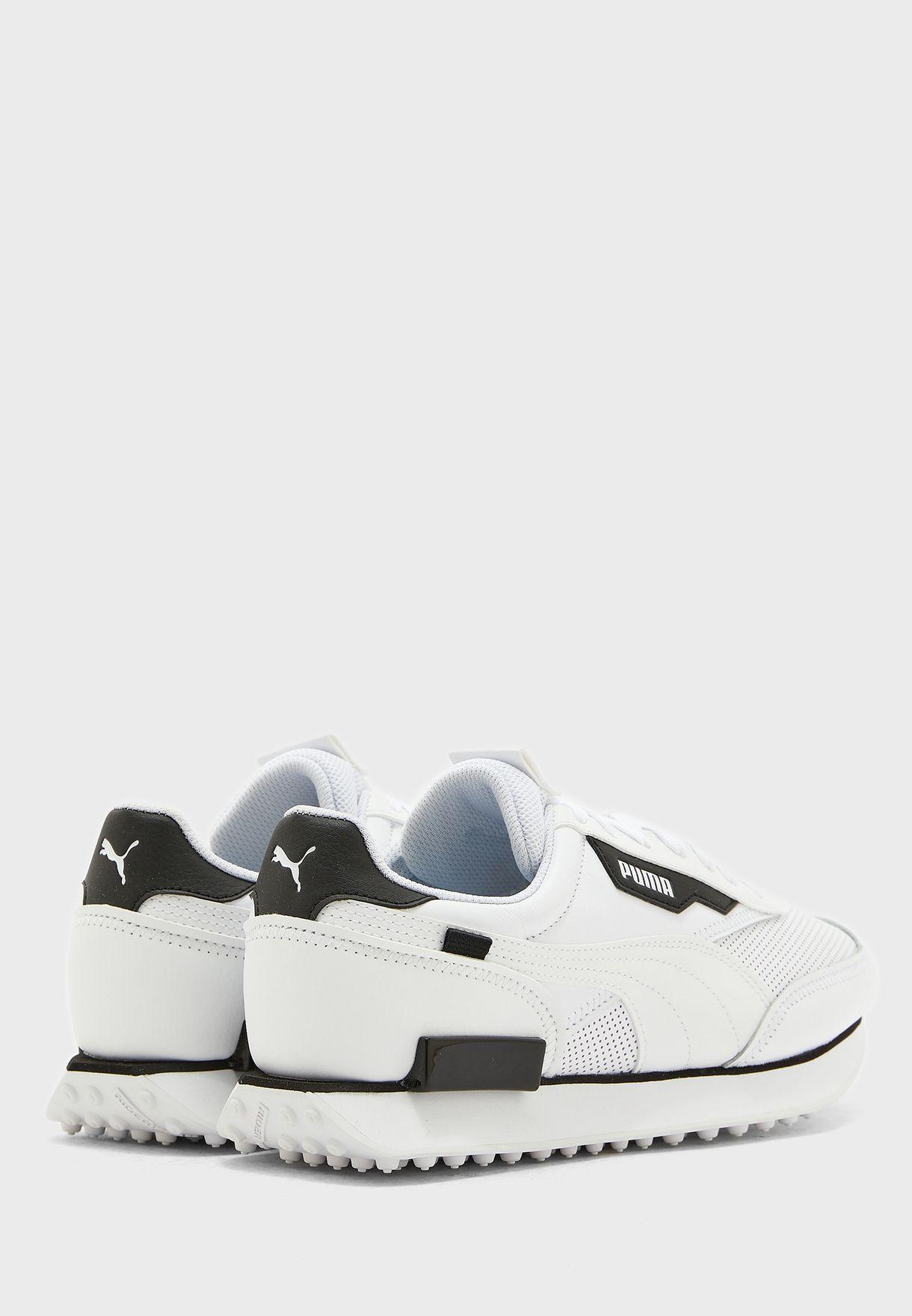 حذاء فيوتشر رايدر كونتراست
