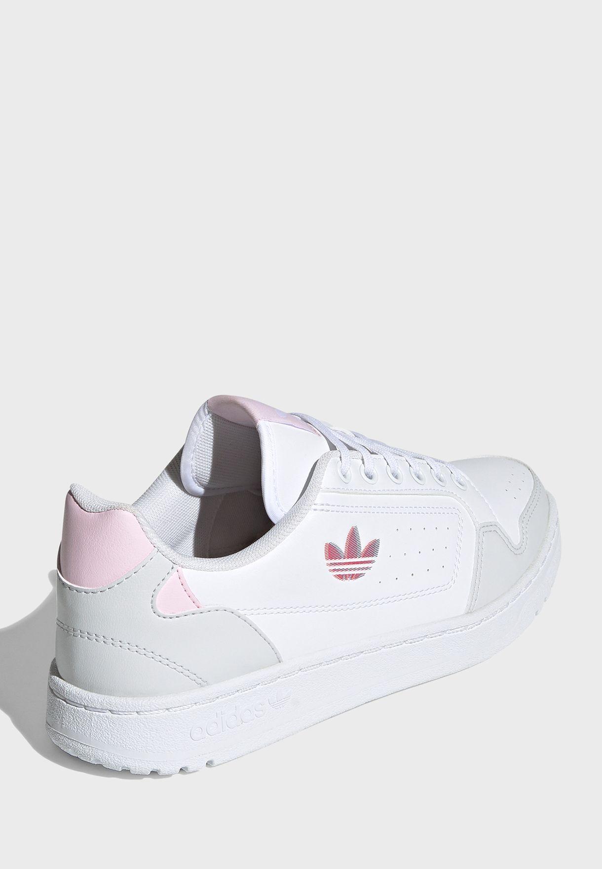حذاء ان واي 90