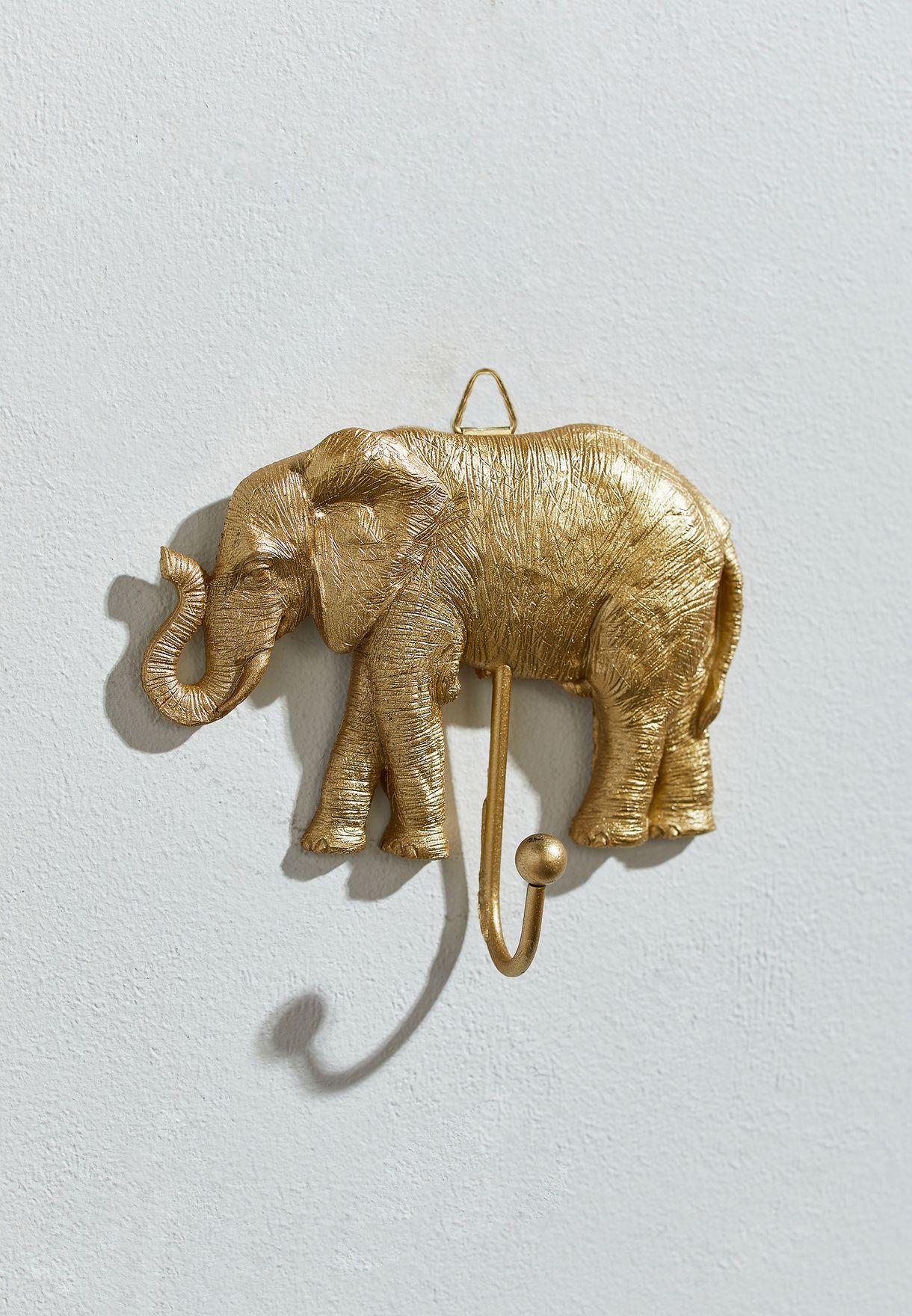 علاقة بشكل فيل