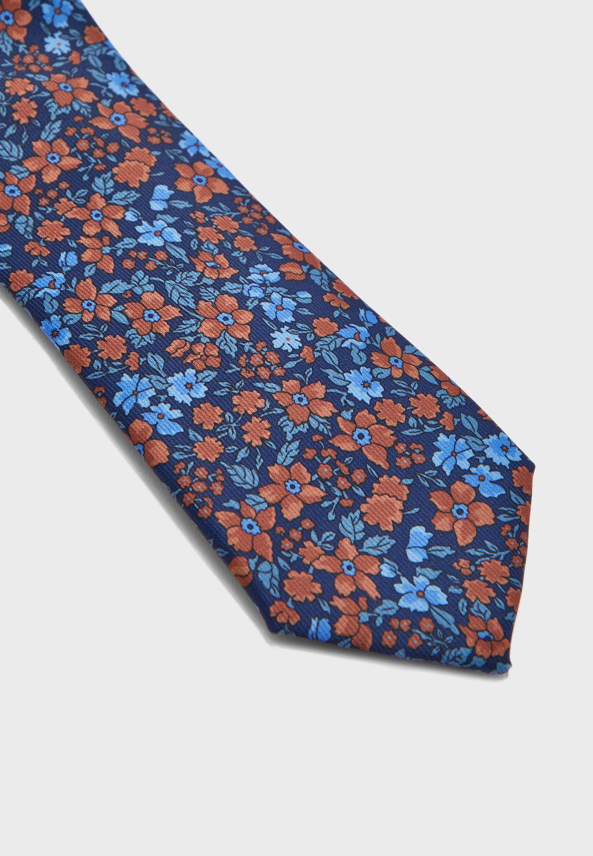 ربطة عنق مزينة بطباعة ازهار
