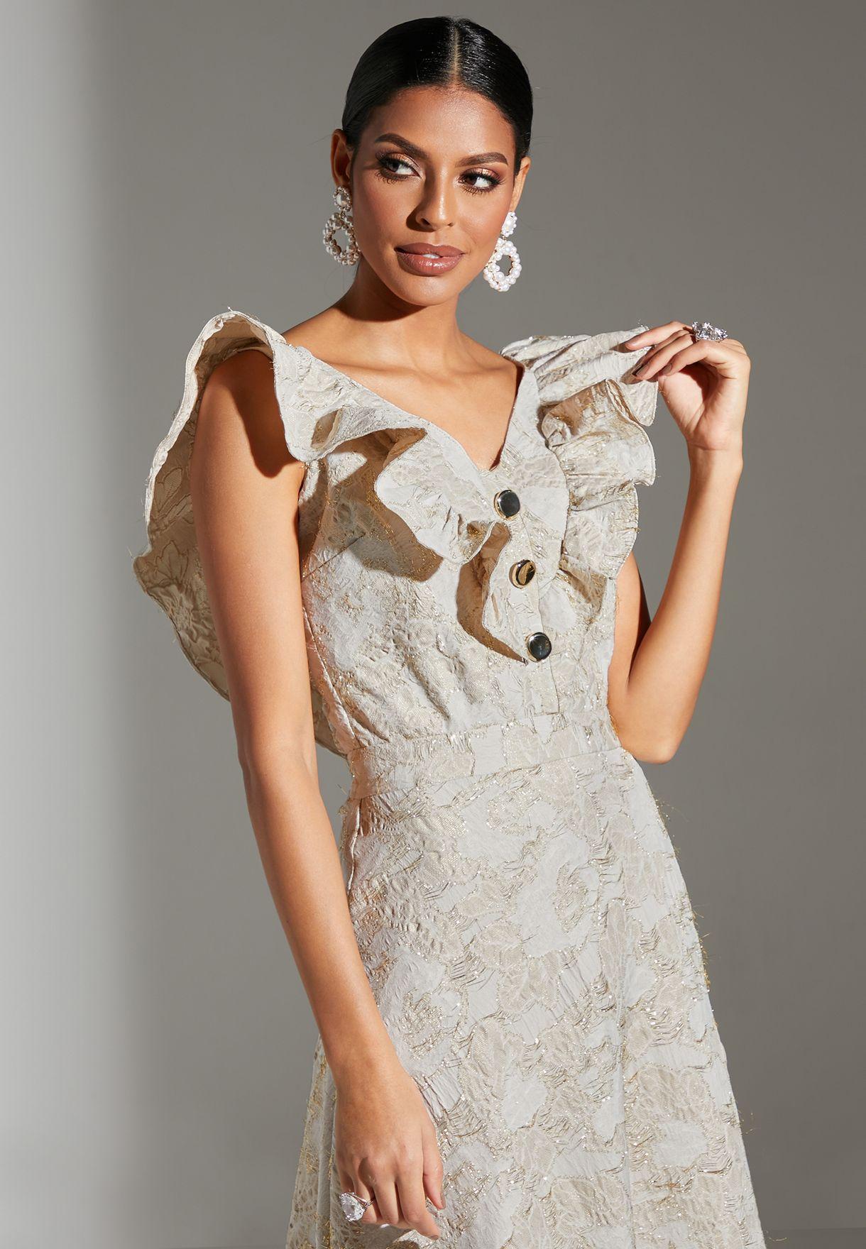 فستان بأزرار مزين بكشكش