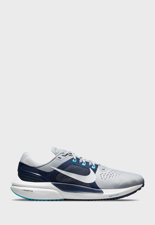 حذاء اير زوم فوميرز 15