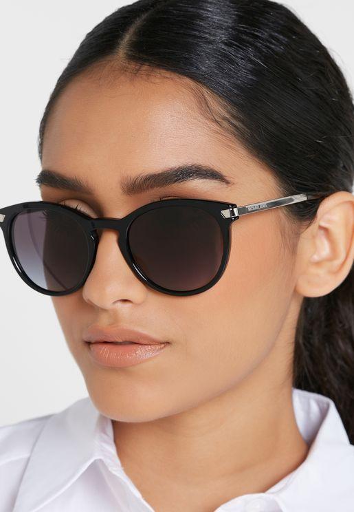 نظارة شمسية دائرية مظللة