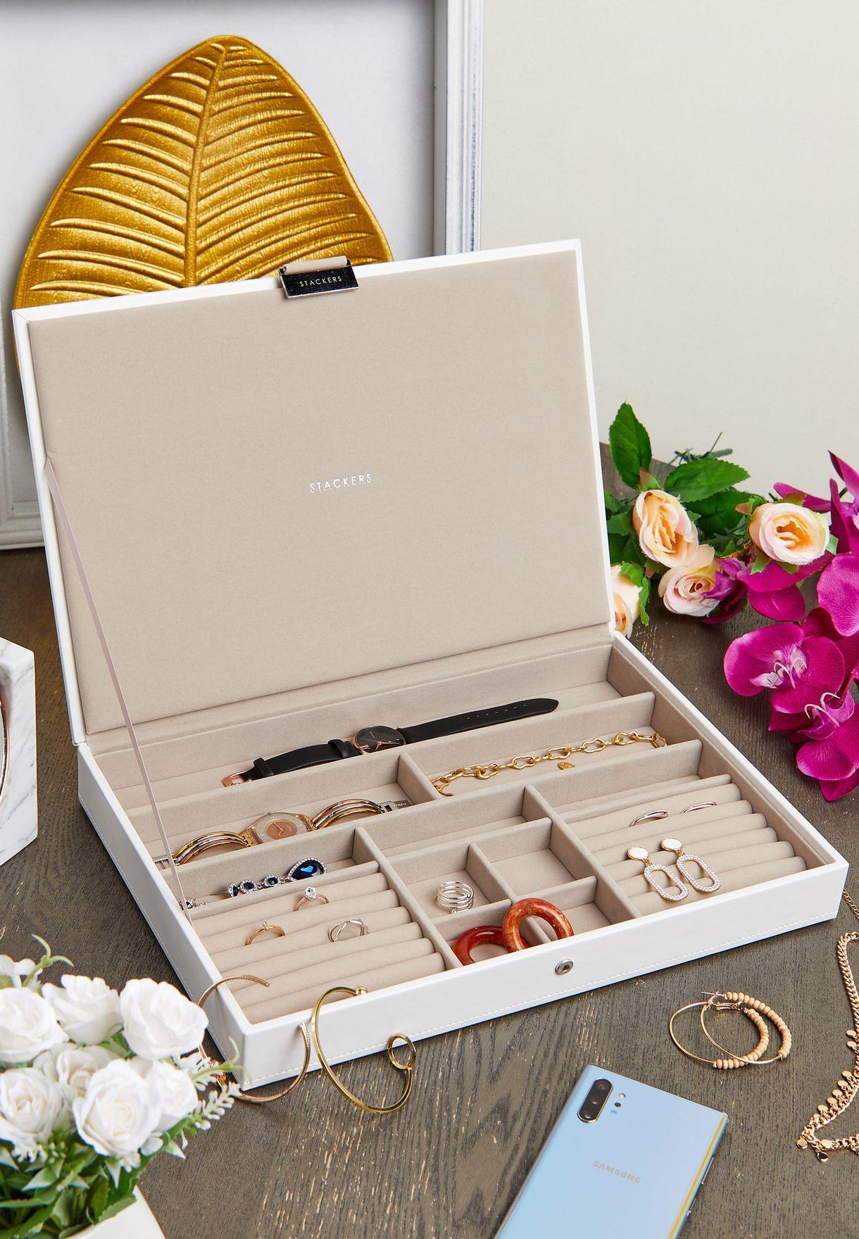 صندوق مجوهرات مع غطاء