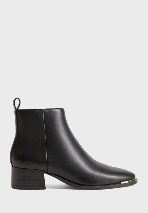 Minute Ankle Boot