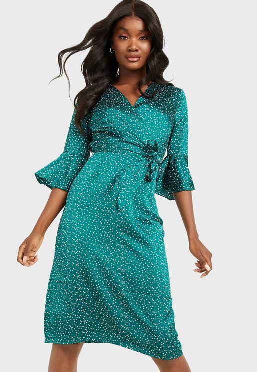 فستان بطبعات بولكا