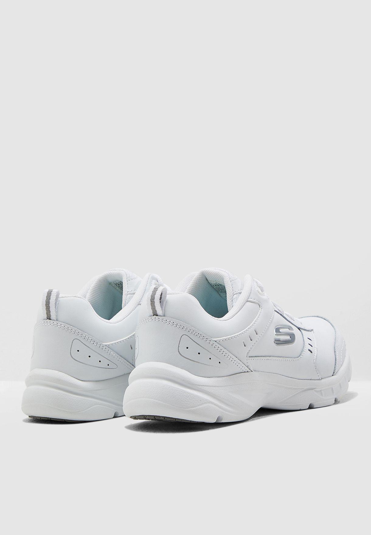 حذاء ميستكس
