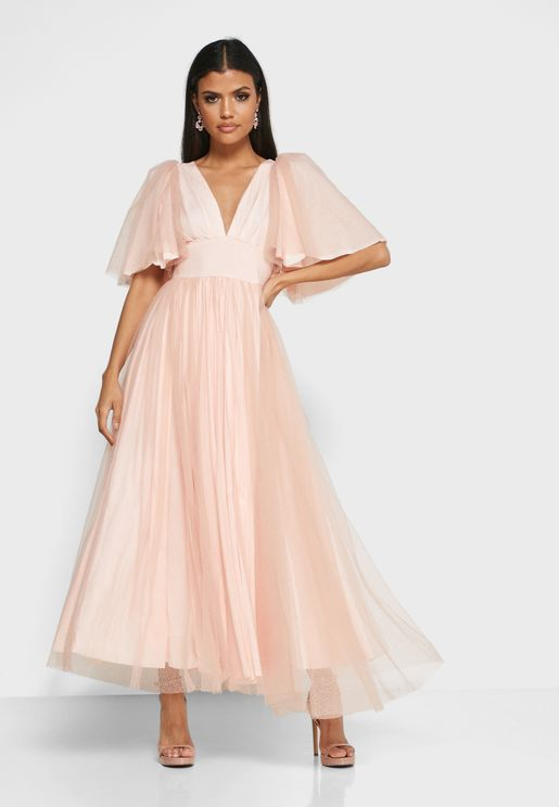 فستان تول بياقة V