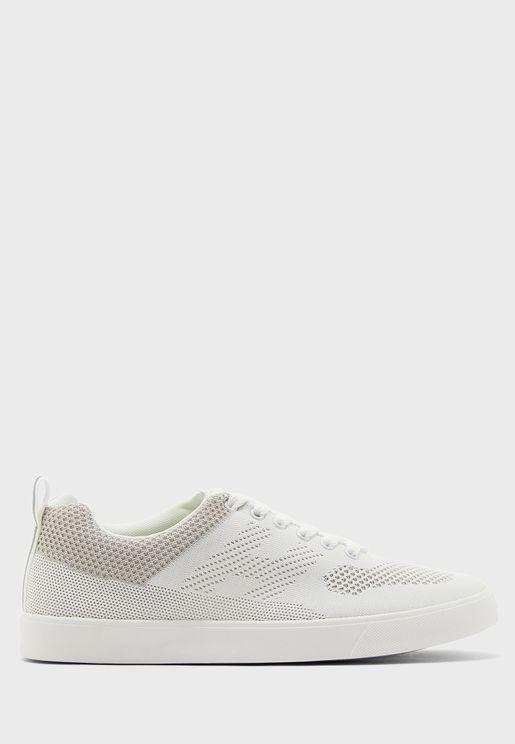 Causal Sneakers