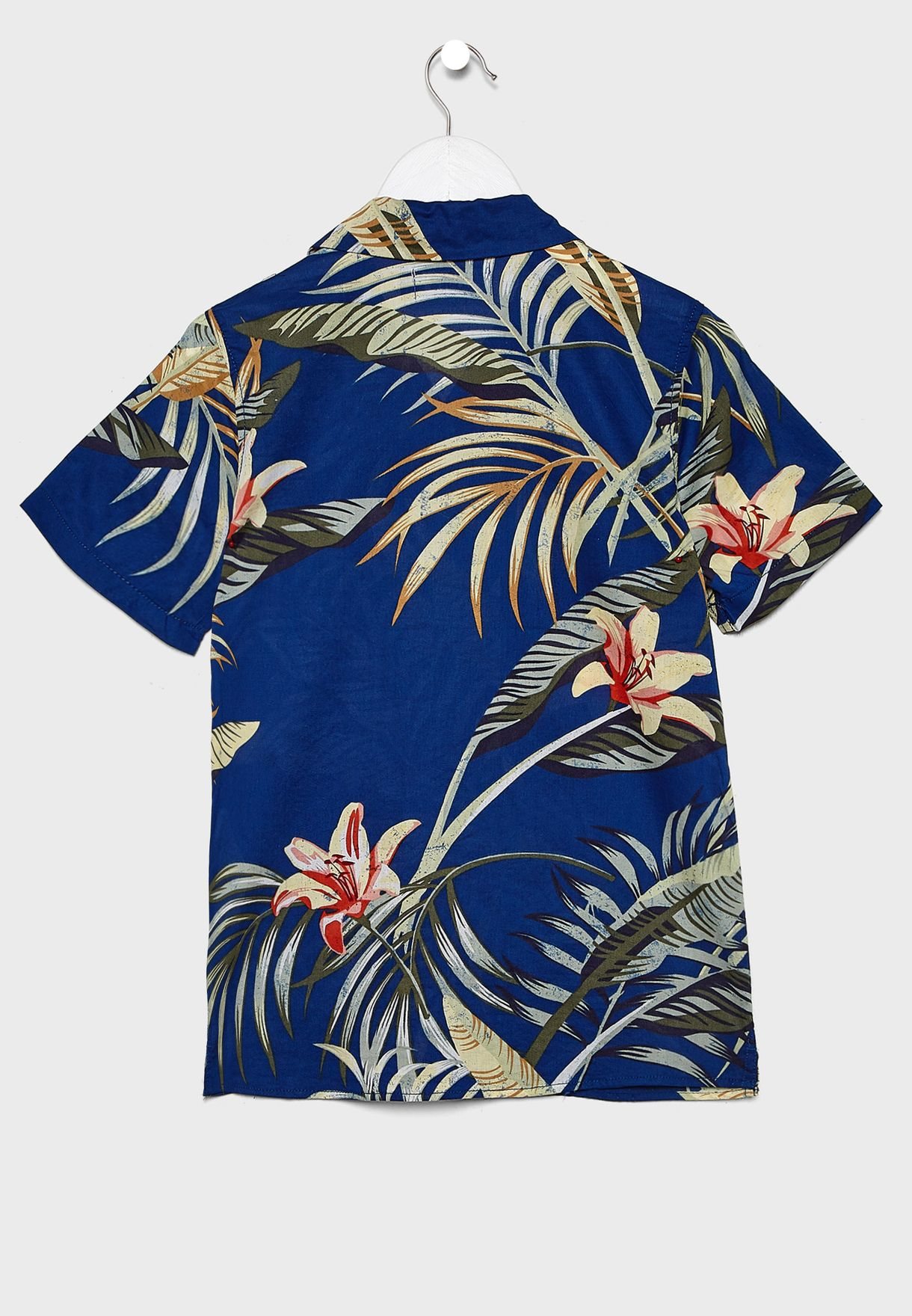 قميص بطبعات استوائية