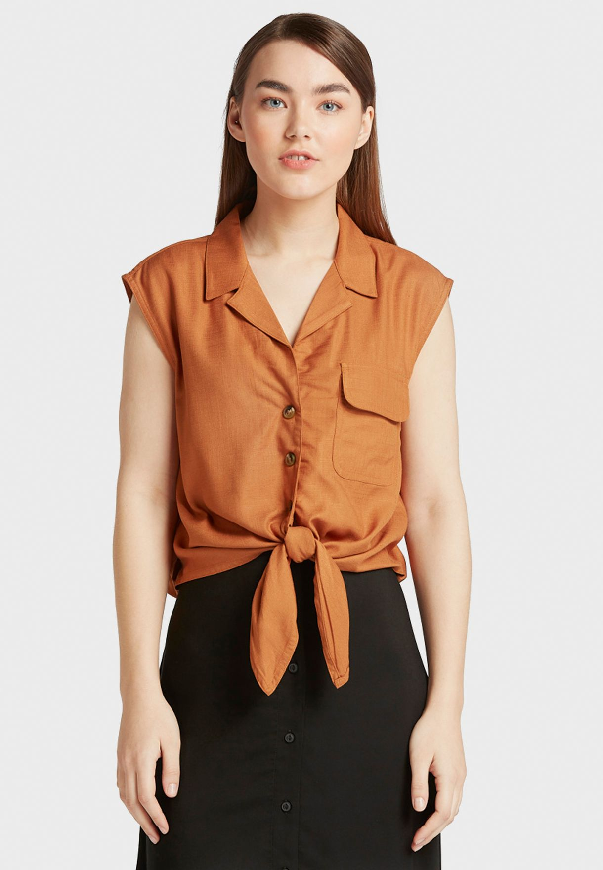 Front Knot Sleeveless Shirt