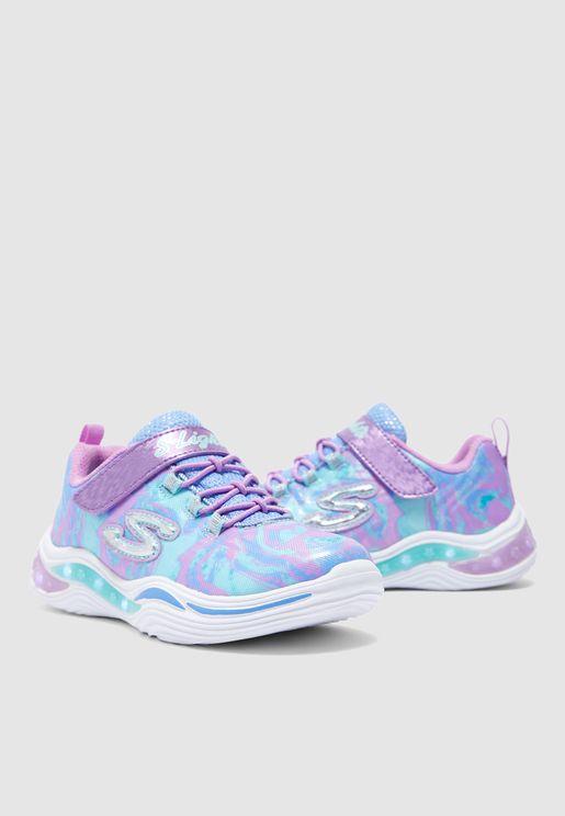 حذاء مزين بأزهار وإضاءة