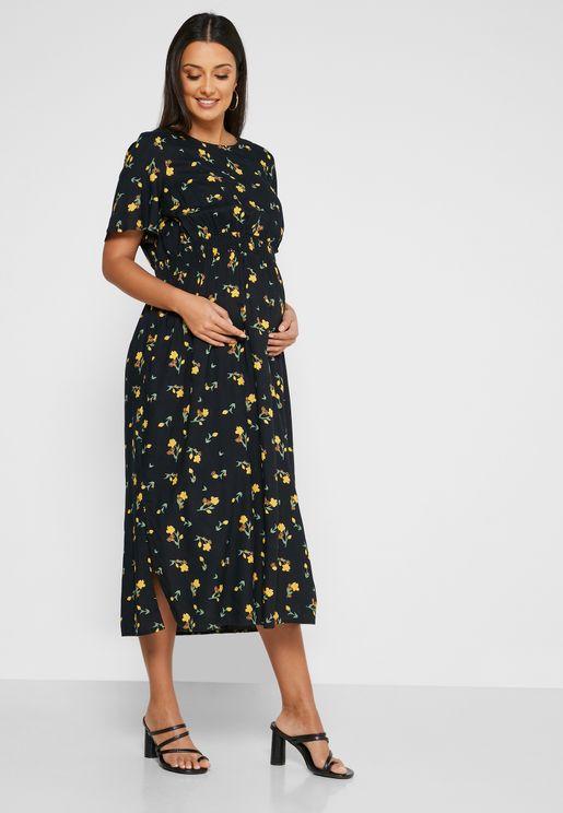 فستان مزموم الخصر مزين بطبعات