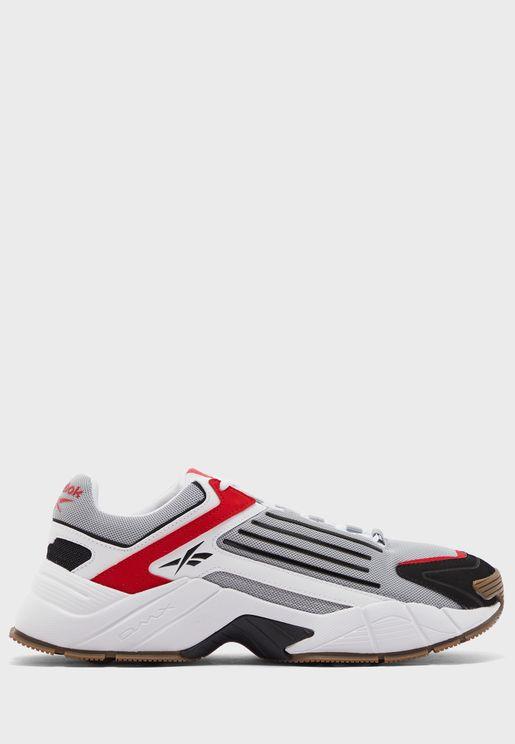 حذاء من سلسلة دي ام اكس 3000