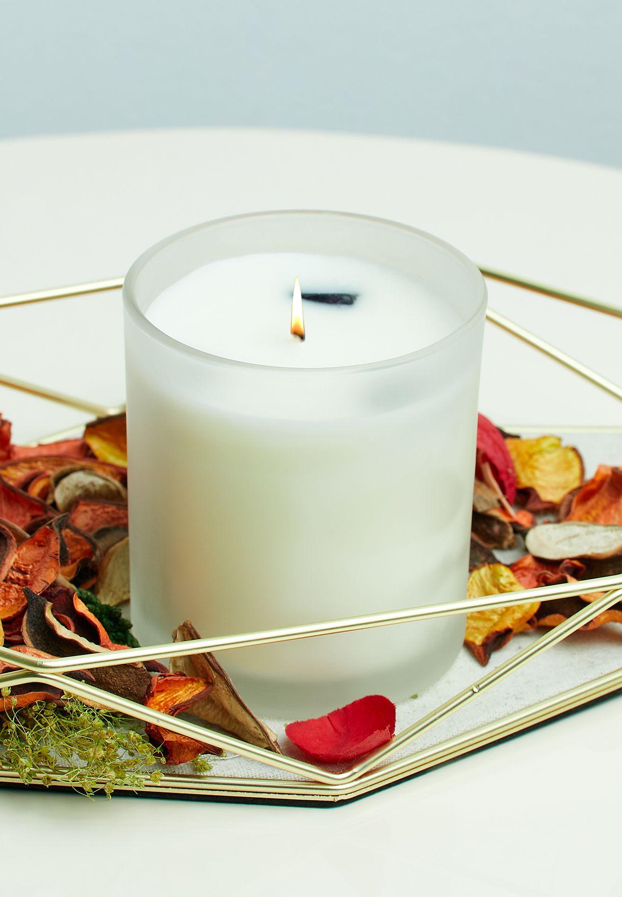 شمعة عطرية بالفانيلا