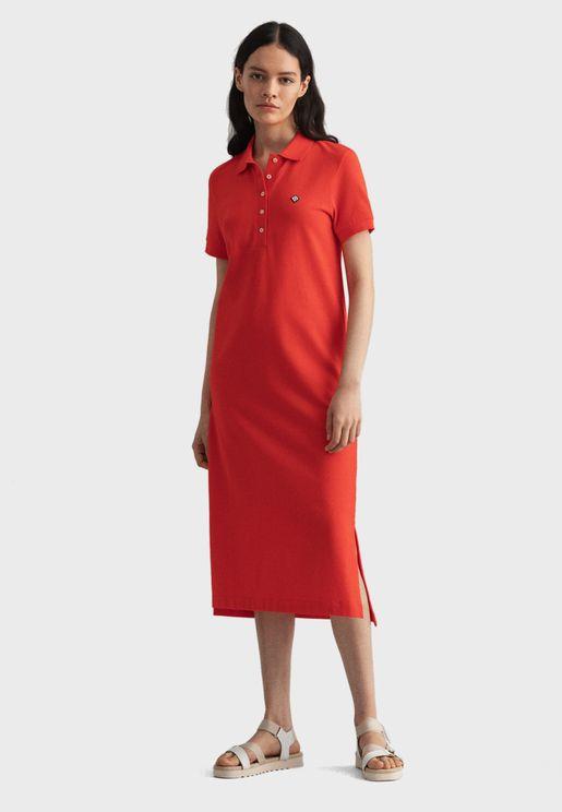 فستان بيكيه بياقة كلاسيكية