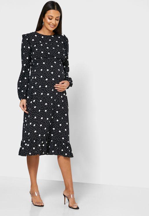 فستان مكشكش الاطراف مزين بطبعات