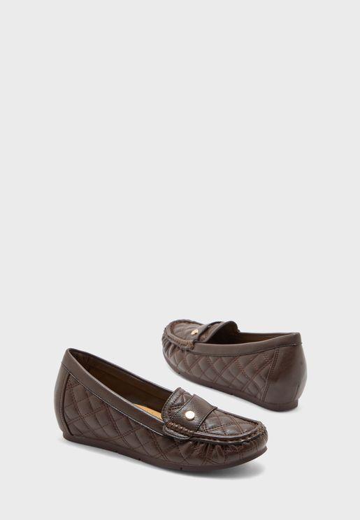 حذاء بفيونكة