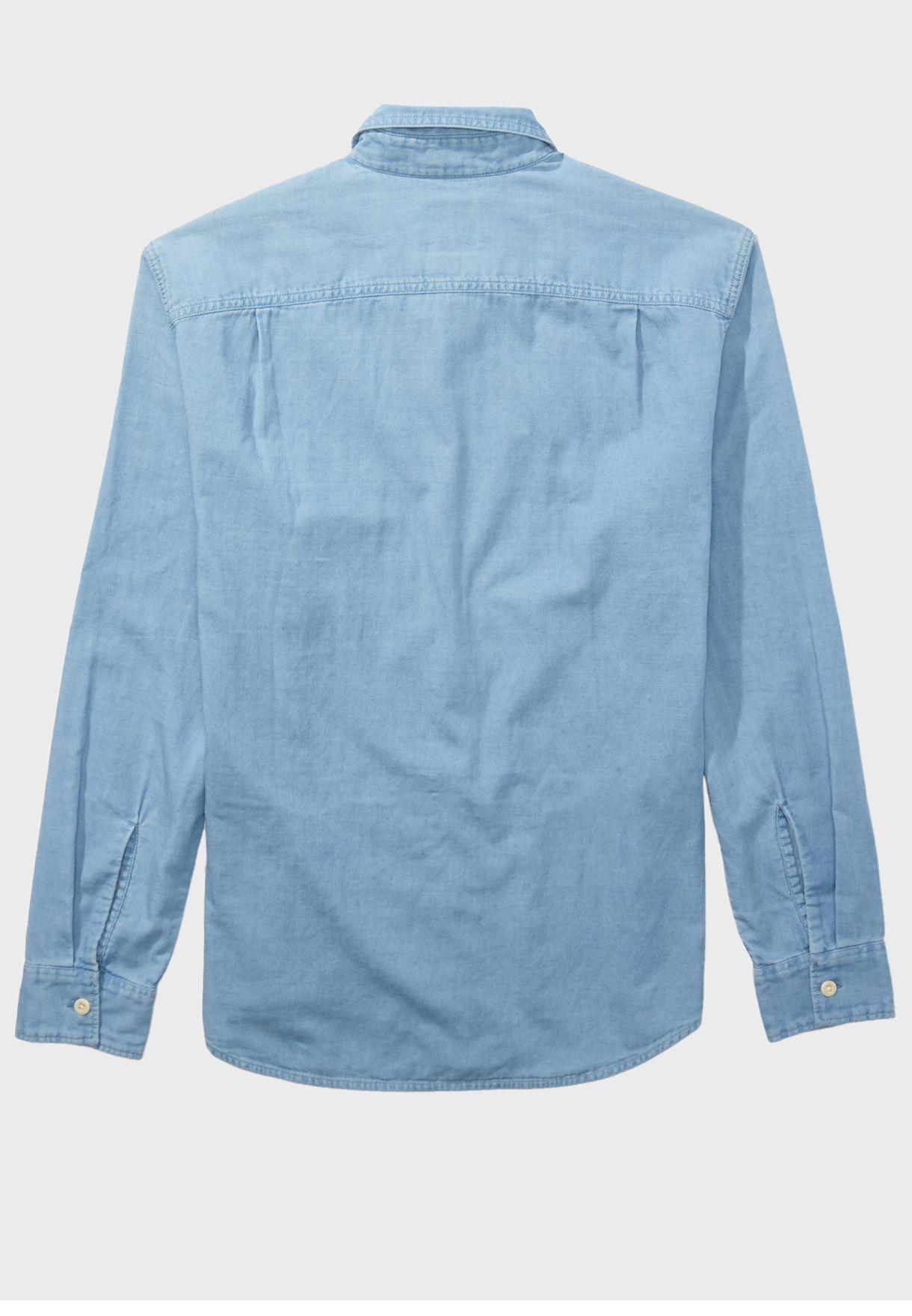 قميص جينز بجيوب علي الصدر