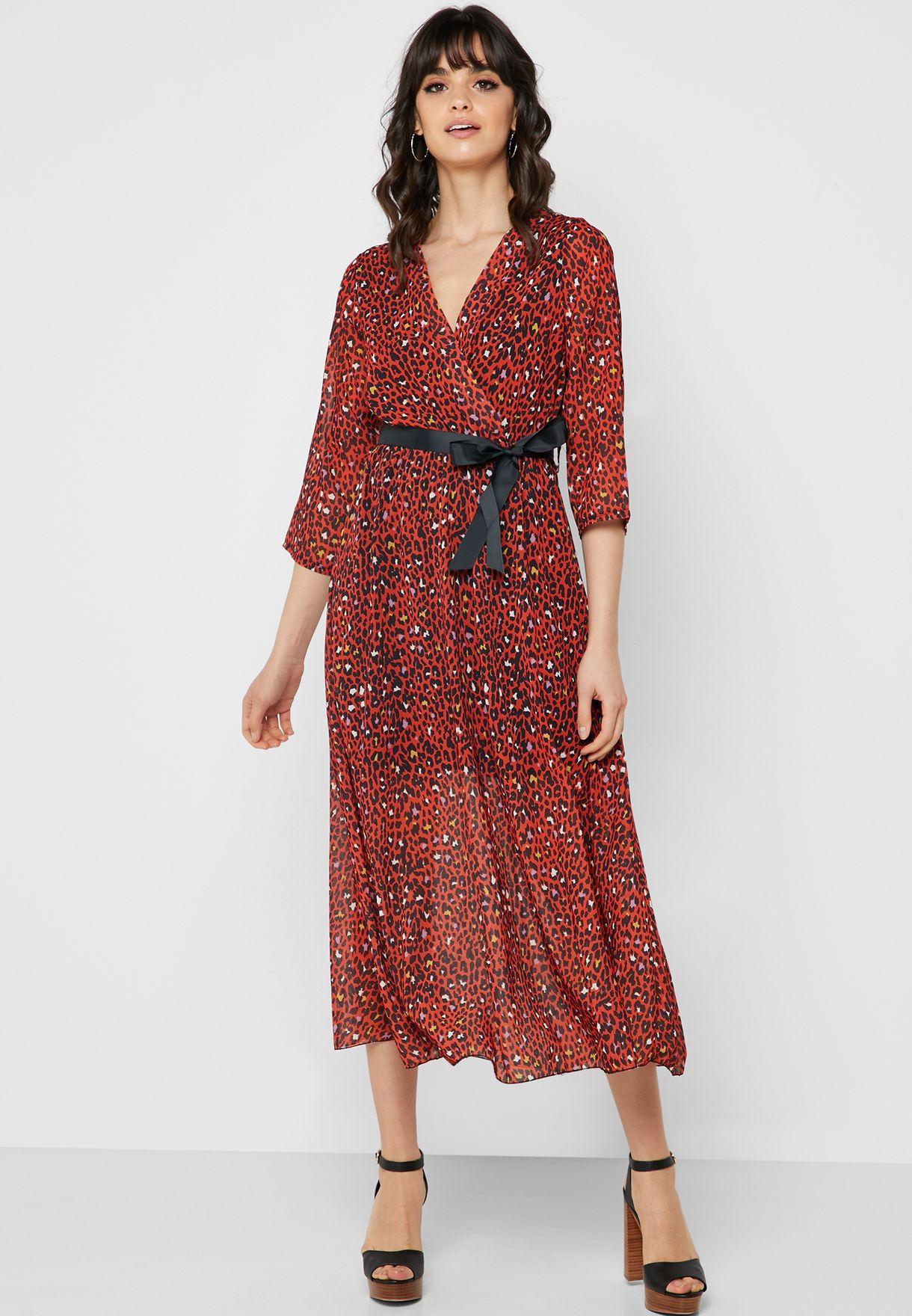 فستان مكسي بنمط لف مع طبعات ليوبارد