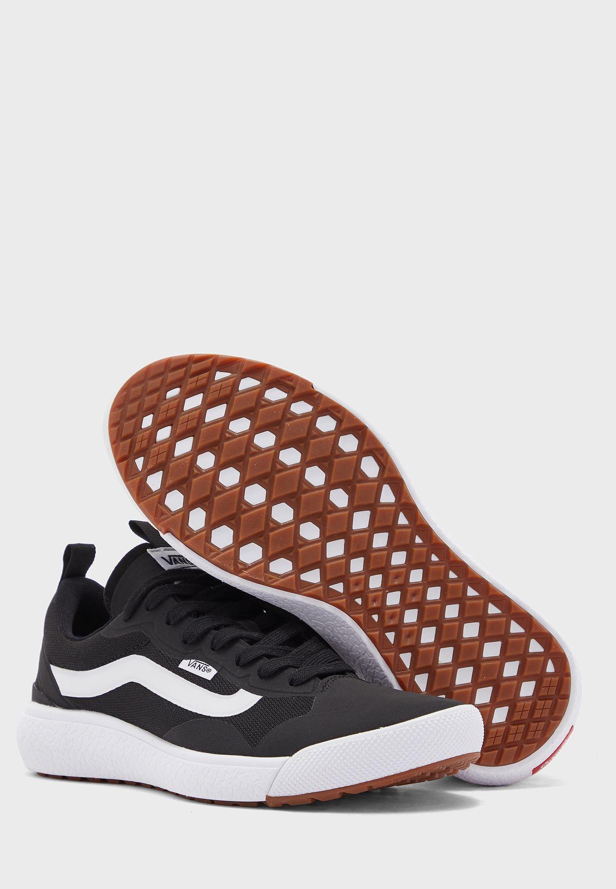حذاء الترارينج اكسو