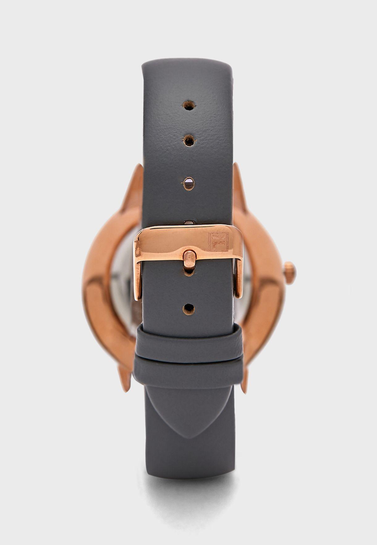 ساعة بحزام جلد