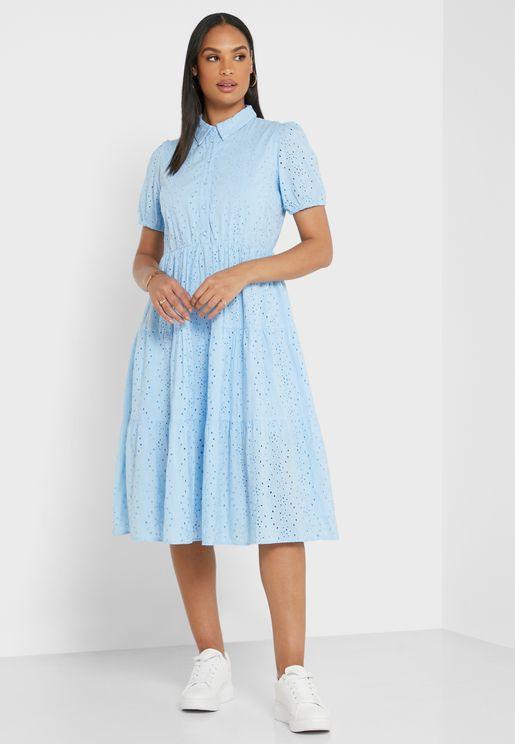 فستان مطرز بأكمام قصيرة
