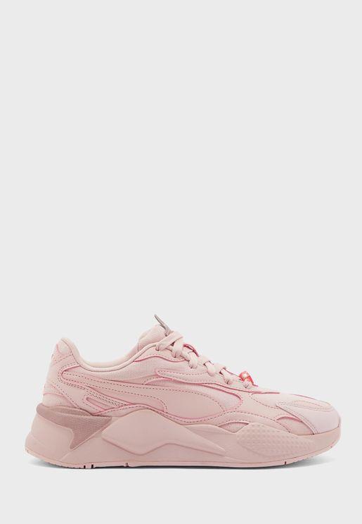 حذاء من مجموعة روبيكس كيوب