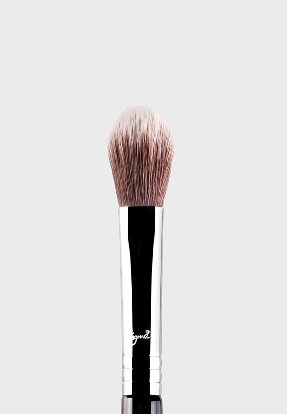 High Cheekbone Highlighter Brush