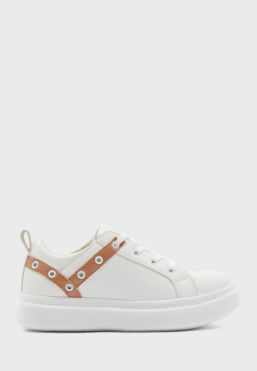 Eyelet Low Top Sneaker