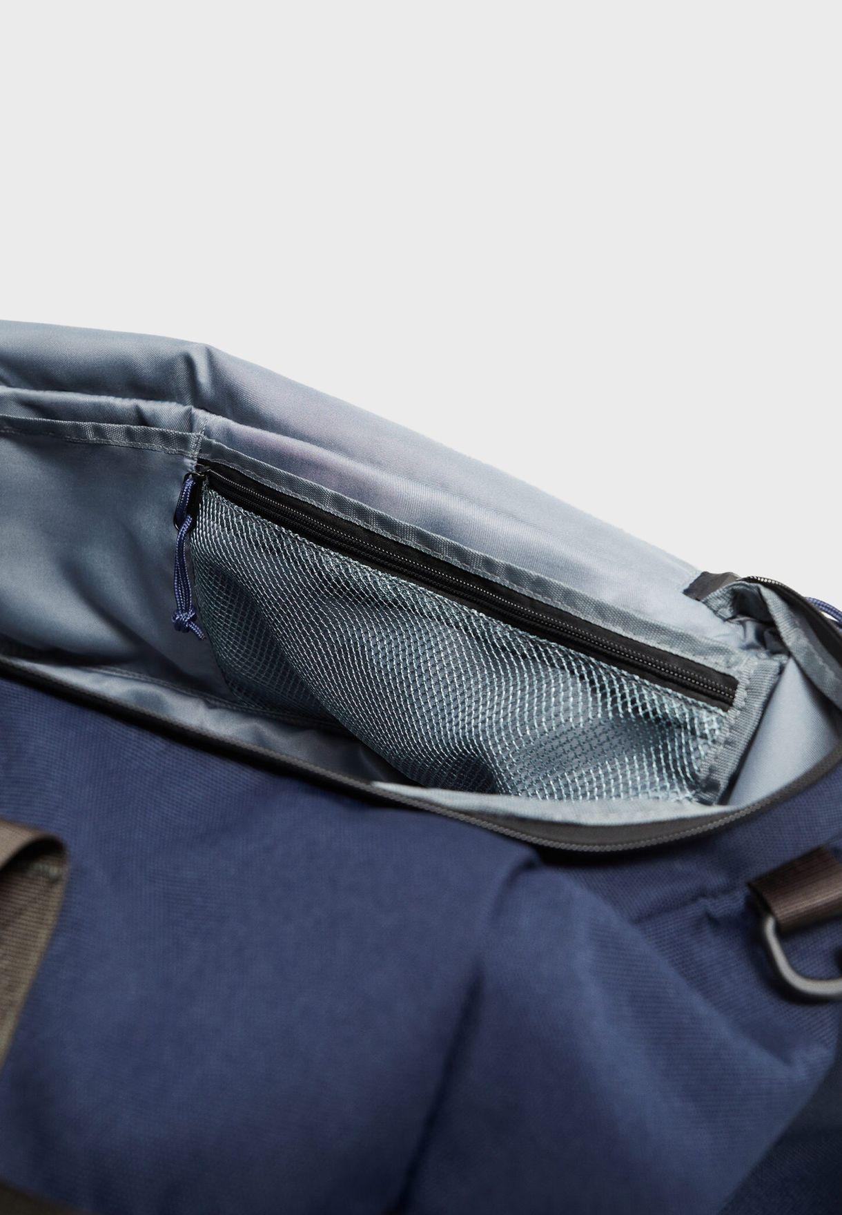 شنطة دافل مع جيب امامي