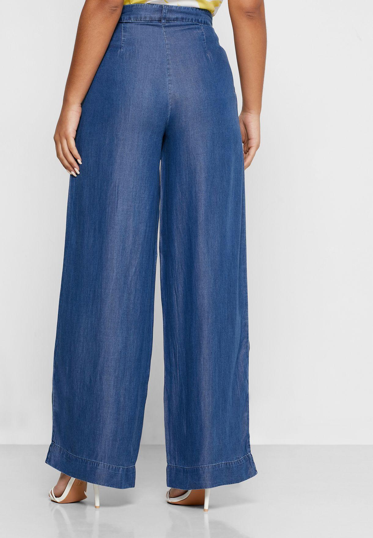 بنطال جينز بجيوب جانبية