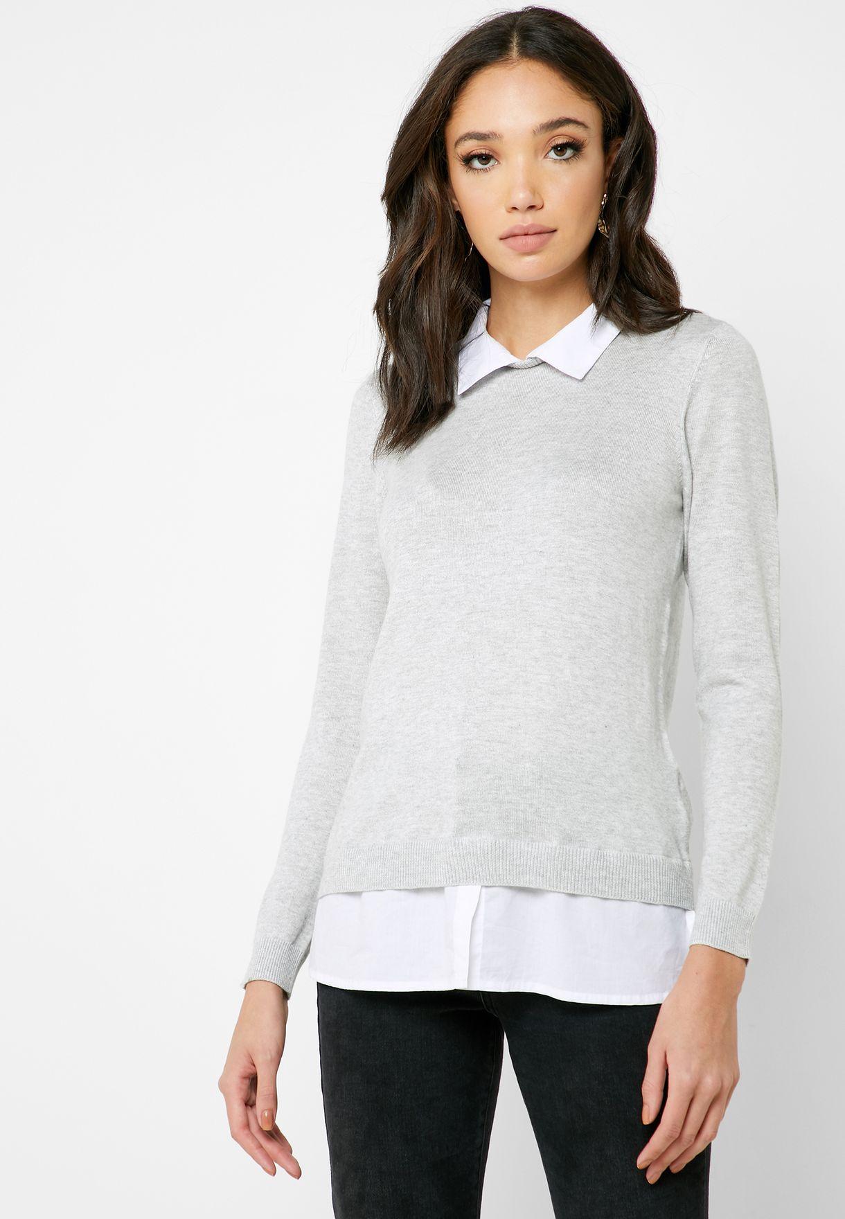 كنزة مع تداخل بنمط قميص