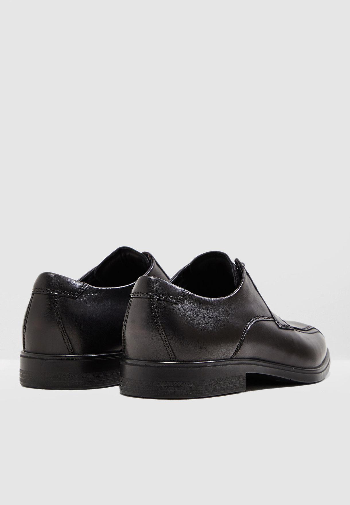 حذاء رسمي بأربطة علوية