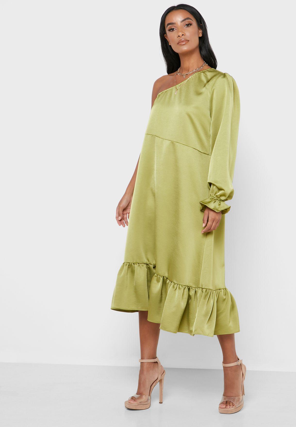 فستان بكتف واحد مكشكش الاطراف