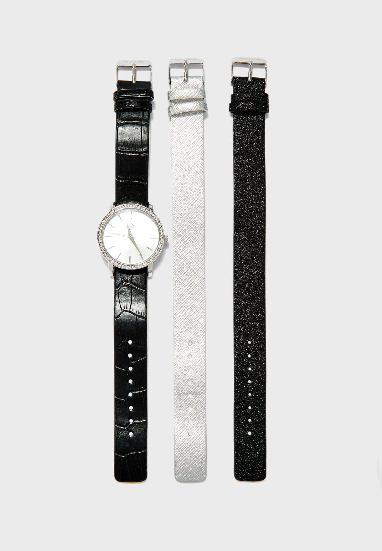 ساعة مع مجموعة احزمة