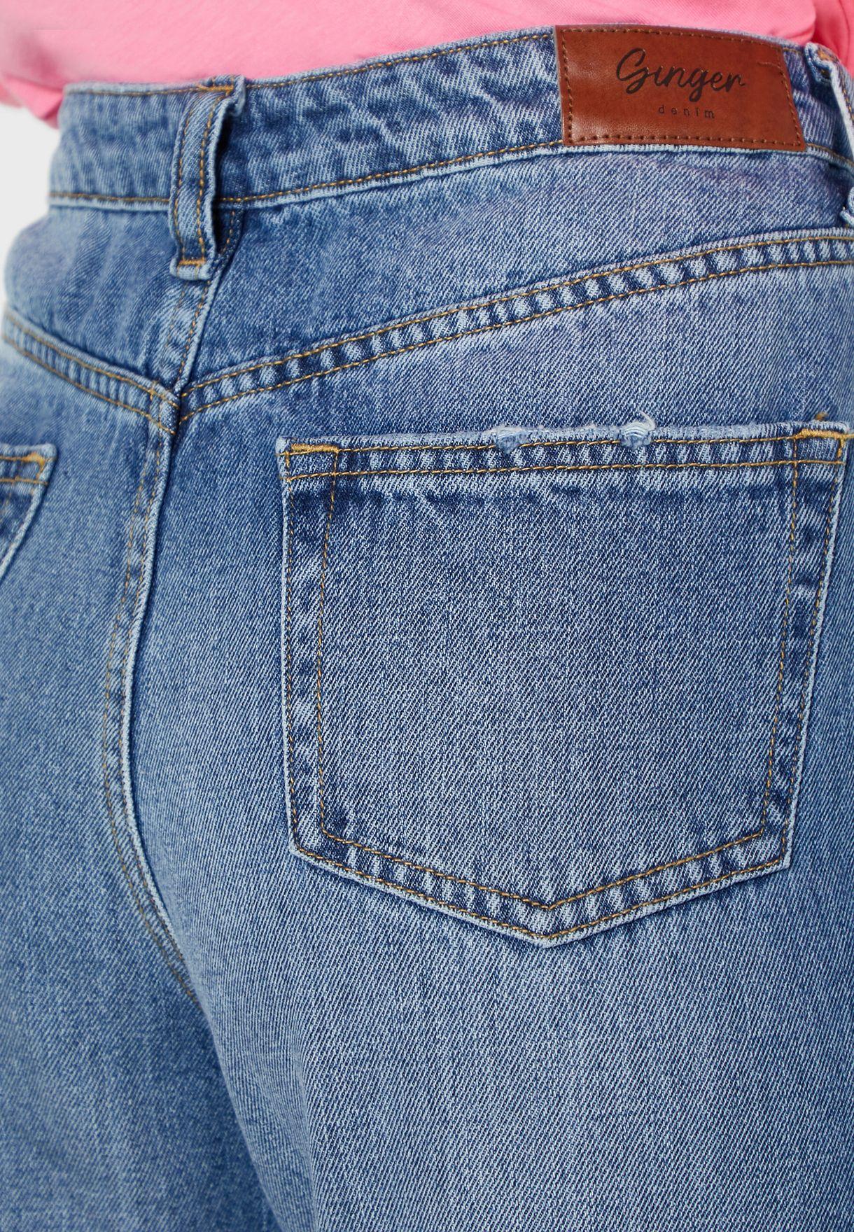 جينز بنمط مام