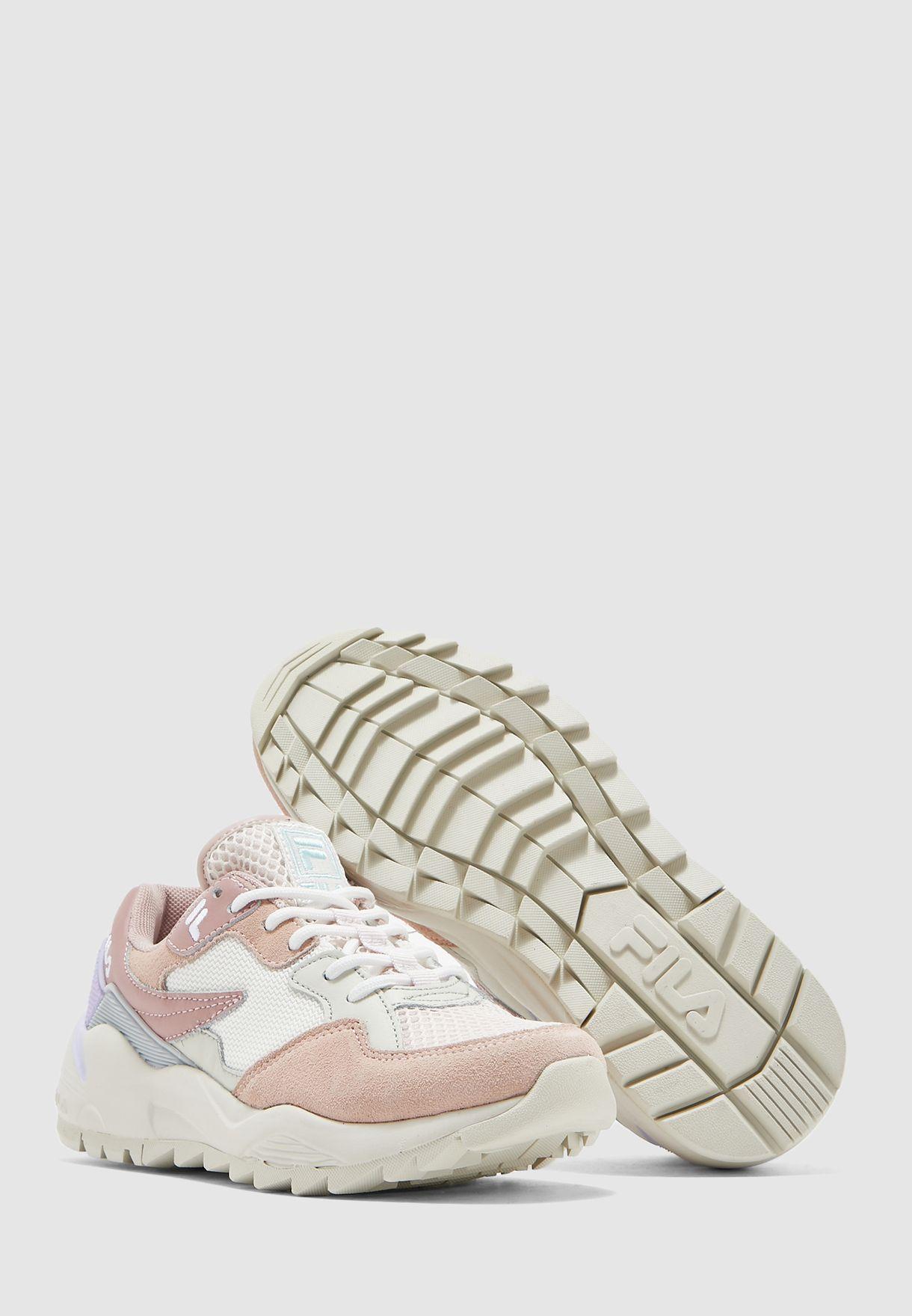 حذاء فولت سي ام ار