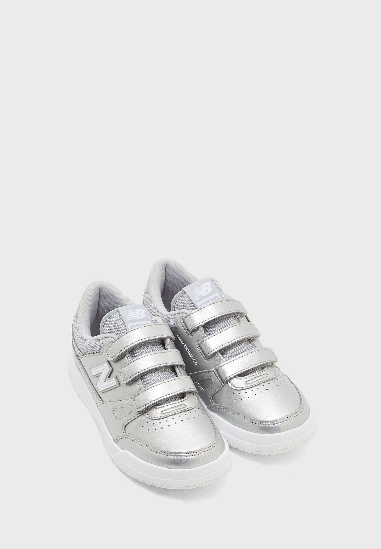 حذاء سي تي 20