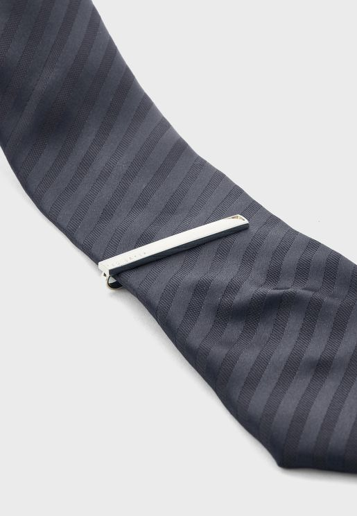 Lochat Tie Bar With Corner Cut Out