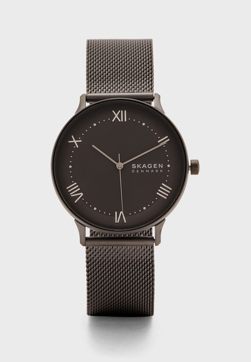 Round Dial Analog Watches