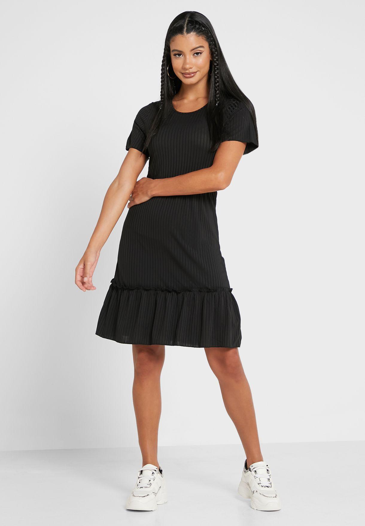 فستان بحزوز