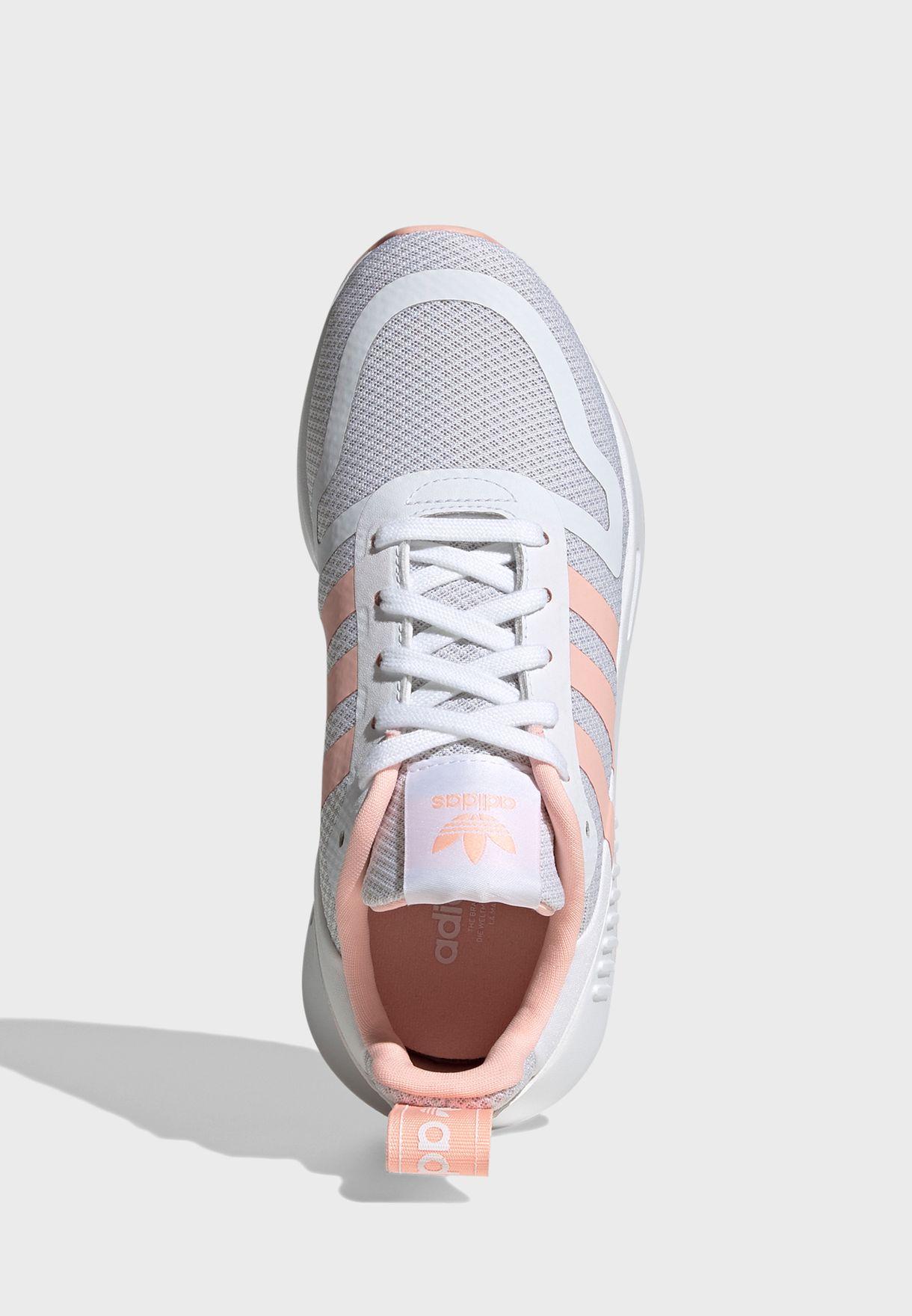 حذاء مولتيكس